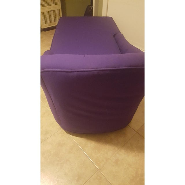 1970s Contemporary Refinished Eggplant Chaise For Sale - Image 4 of 6
