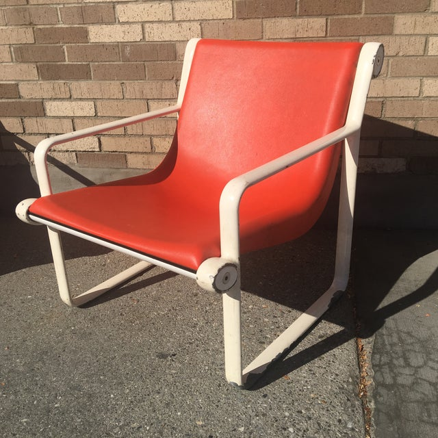 Knoll Iconic Orange Shell Lounge Chairs - A Pair For Sale In New York - Image 6 of 8