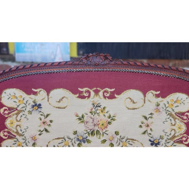 1950s French Louis XV Style Needlepoint Living Room Settee For Sale - Image 4 of 10