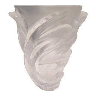 Lalique Martinets Vase