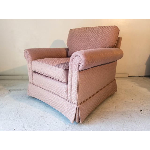 Pennsylvania House Pink Club Chair Comfortable Long Stretcher 32 x 36 x 34D Excellent For Sale - Image 5 of 8