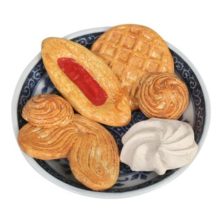 Trump L' Oeil Sweets Sculpture For Sale
