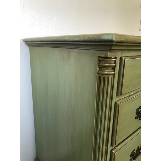 Coastal 1960s Vintage Queen Anne Coastal Farmhouse Chest of Drawers For Sale - Image 3 of 13