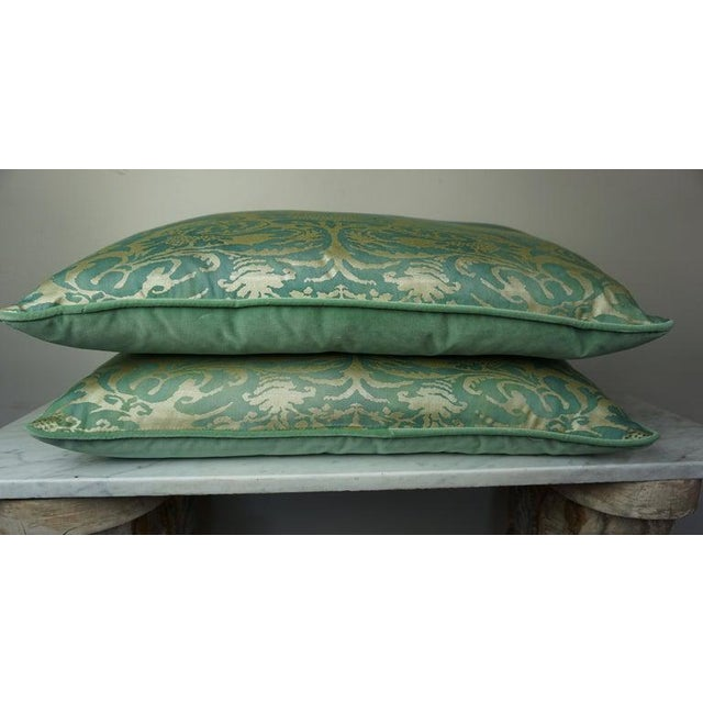 Italian Pair of Italian Venetian Style Green & Gold Pillows For Sale - Image 3 of 7