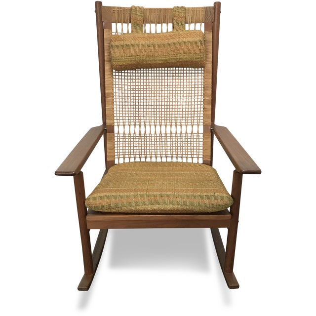 This rocking chair by Hans Olsen for Dux is in very good vintage condition and is a great example of Mid-Century Danish...
