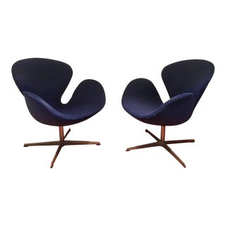 1980s Scandinavian Modern Arne Jacobsen s for Fritz Hansen Swan Chairs - a Pair