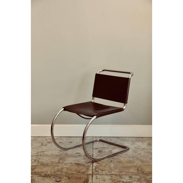 Brown Set of Four Classic Thick Leather and Chrome Mr Chairs by Mies Van Der Rohe For Sale - Image 8 of 10