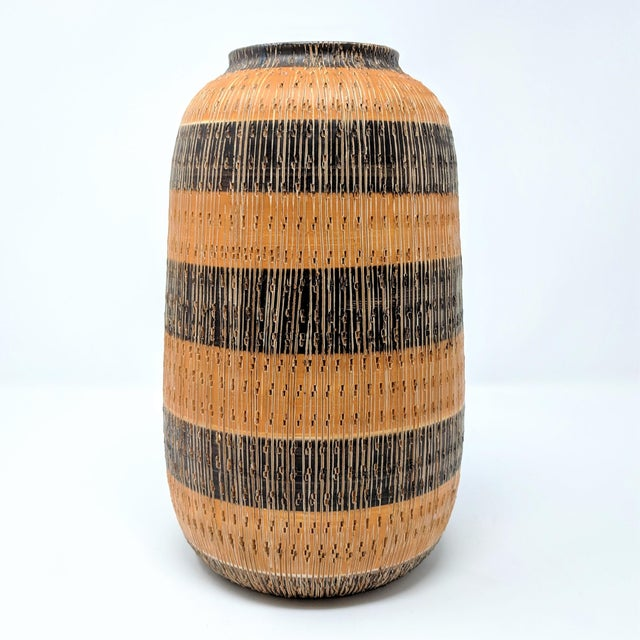 1950s Mid-Century Modern Bitossi for Raymor Incised Seta Vase For Sale - Image 9 of 9