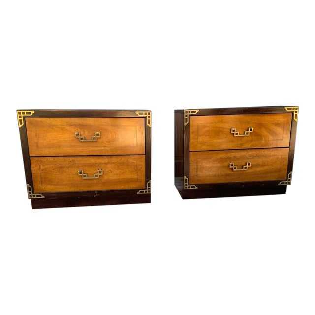 Bassett Asian Inspired Chinoiserie Nightstands - a Pair For Sale