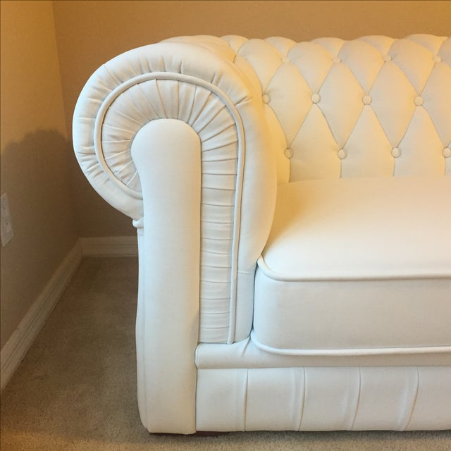 White Leather Tufted Back Sofa - Image 4 of 10
