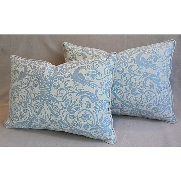"""Feather 26"""" X 18"""" Custom Tailored Italian Fortuny Uccelli Feather/Down Pillows - a Pair For Sale - Image 7 of 11"""