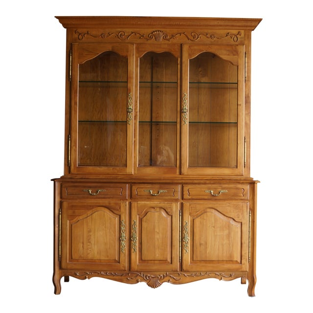 1990s Vintage Ethan Allen Legacy China Cabinet For Sale