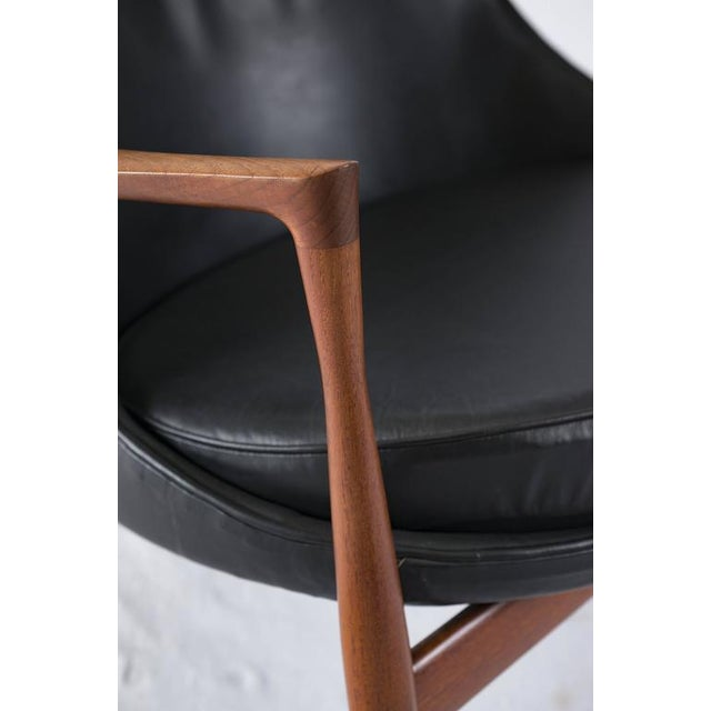 "Black Ib Kofod-Larsen ""Elizabeth"" Chair For Sale - Image 8 of 10"