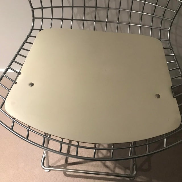 Knoll Harry Bertoia Counter Height Bar Stools W/ Cream Colored Cowhide Seat and Back Pads - a Pair For Sale In Philadelphia - Image 6 of 13