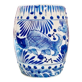 Chinoiserie Porcelain Blue and White Garden Stool With Fish Design For Sale