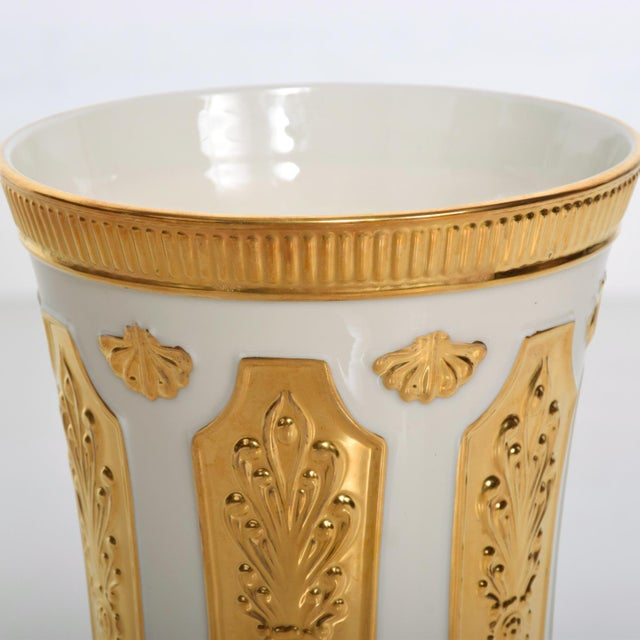 Lenox Mid Century Modern Lenox Designer's Collection Versailles Gold Vase For Sale - Image 4 of 7