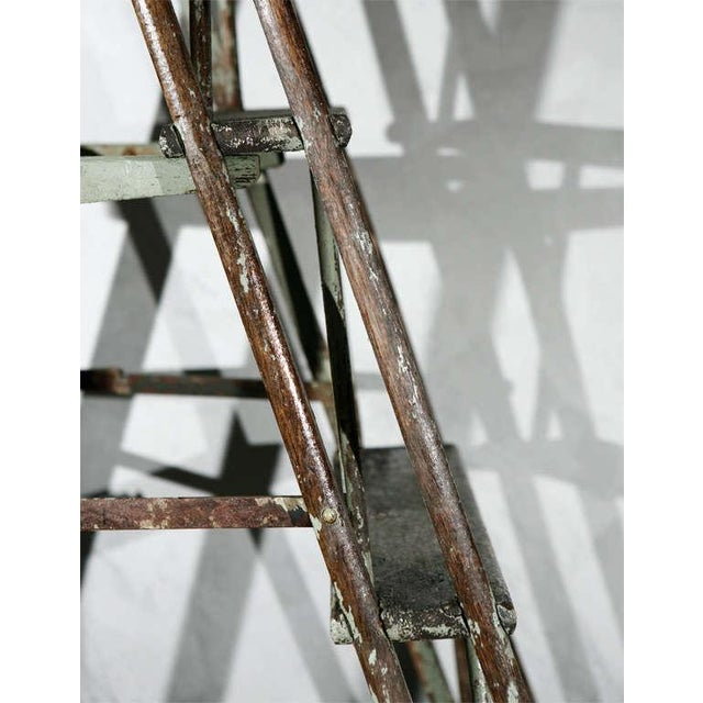 American Classical Vintage Painted Ladder as a Display Stand For Sale - Image 3 of 10