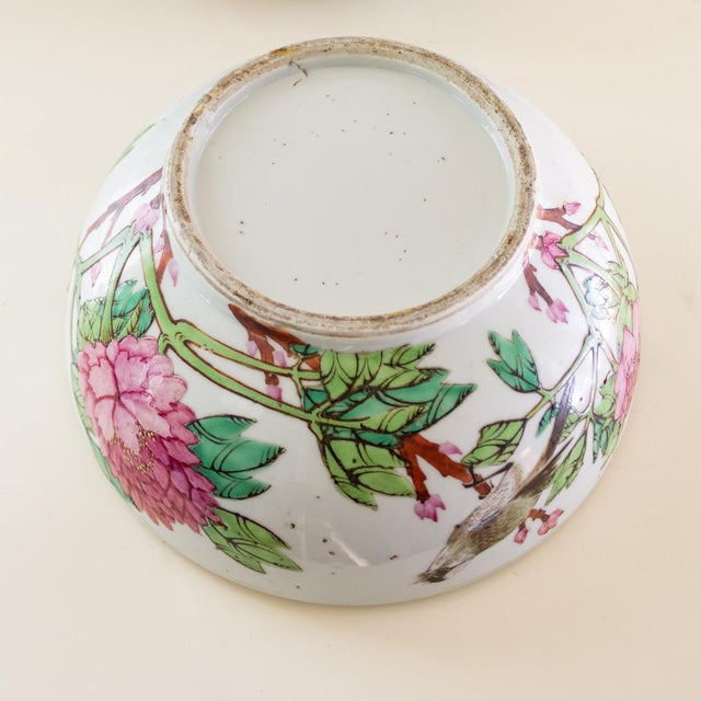 19th C Familly Rose Covered Box | Lidded Food Bowl | Chinese Qing Dynasty For Sale - Image 10 of 12