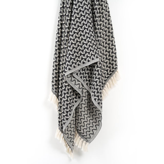 Modern Silent Ripple Handmade Organic Cotton Towel in Charcoal For Sale - Image 3 of 8