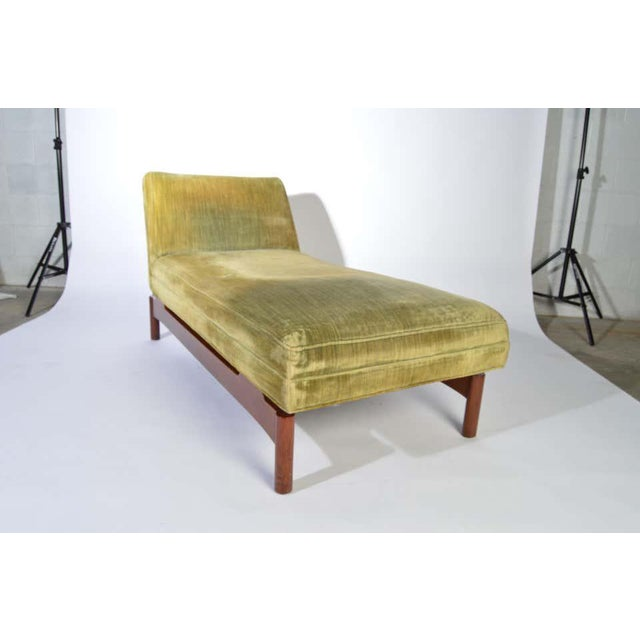 1950s Important Gerald Luss for Lehigh Chaise Lounge Chair in Walnut, Circa 1950 For Sale - Image 5 of 11