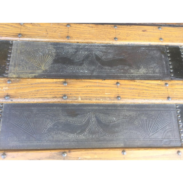 Antique Stagecoach Trunk Steamer For Sale - Image 4 of 13