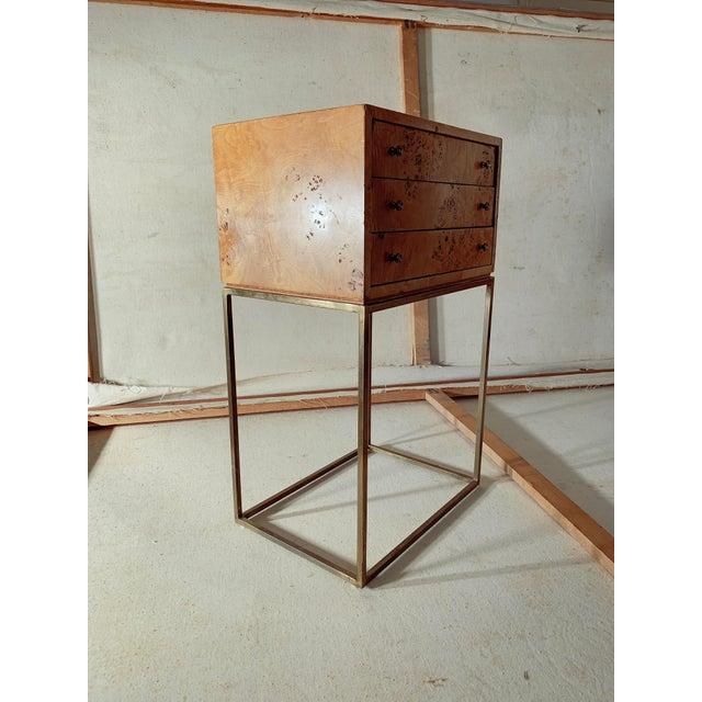 Mid-Century Modern 1950s Mid-Century Modern Milo Baughman Burlwood Side Table For Sale - Image 3 of 8