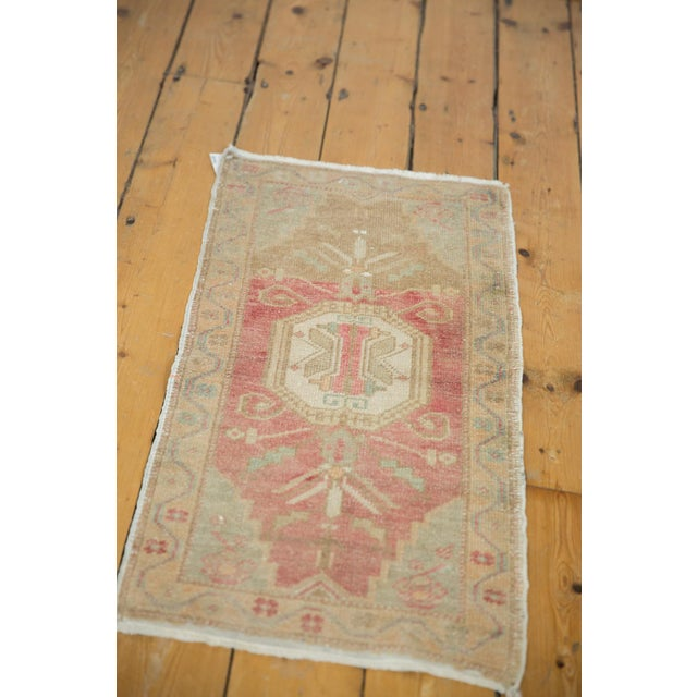 "Abstract Vintage Distressed Oushak Rug Mat - 1'6"" X 3' For Sale - Image 3 of 7"