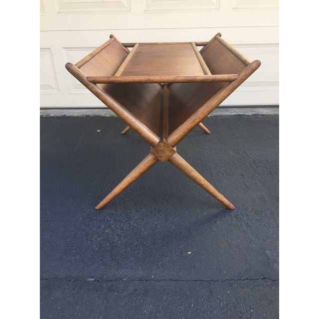 1960s Mid-Century Modern t.h. Robsjohn-Gibbings for Widdicomb Walnut X Frame Magazine Table For Sale In Los Angeles - Image 6 of 12