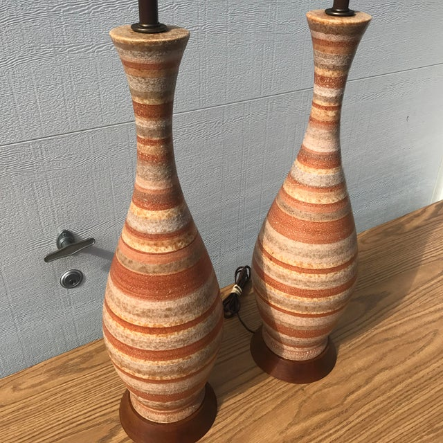 1960s 1960s Mid-Century Modern Tall Striped Pottery Table Lamps - a Pair For Sale - Image 5 of 12