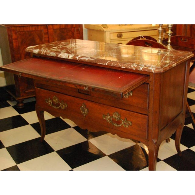 Mid 18th Century 18th Century French Walnut Marble Top Commode For Sale - Image 5 of 8