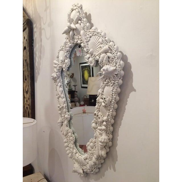White Gesso Serpentine Shell Mirror - Image 4 of 6