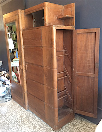 Amazing Vintage Armoire With Shoe Rack Storage   Image 4 Of 6