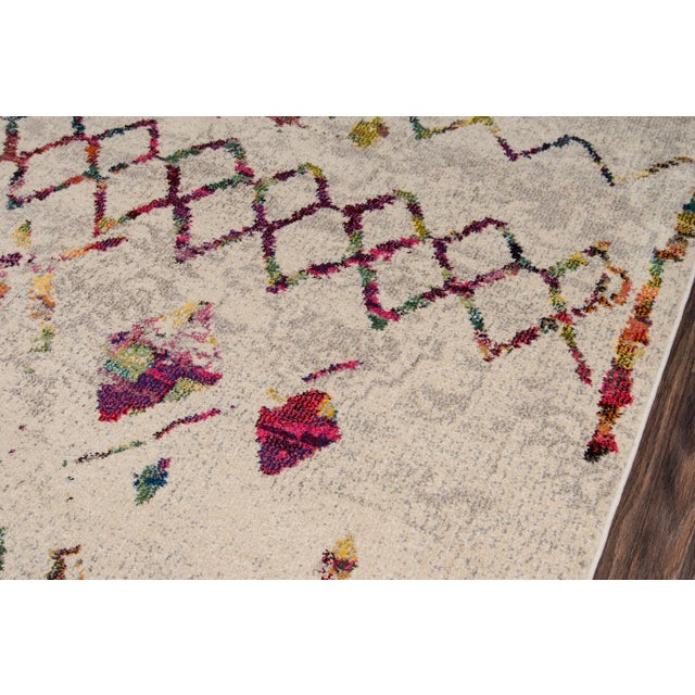 "Contemporary Contemporary Momeni Casa Polypropylene Beige Area Rug - 5'3"" X 7'6"" For Sale - Image 3 of 6"