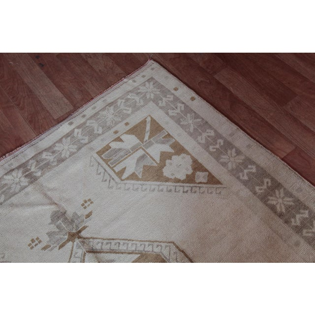 Vintage Turkish Oushak Rug - 4′4″ × 9′6″ For Sale In Baltimore - Image 6 of 11