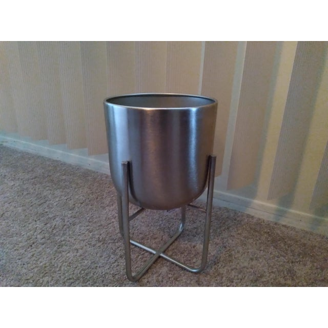 Contemporary Contemporary Indoor Silver Metal Planter For Sale - Image 3 of 3
