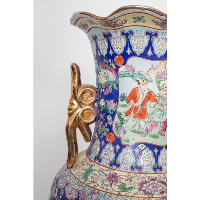 1940s Large Baluster Floor Vase of Chinese Canton Famille for European Market For Sale - Image 5 of 6