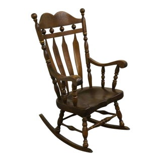 Late 20th Century Vintage Ethan Allen Antiqued Pine Old Tavern Deep Saddled Rocker Chair For Sale