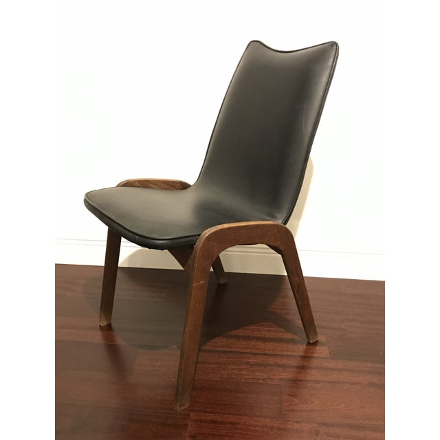 Gorgeous walnut and black vinyl dining or desk chair by Richbilt. Perfect for a mid-century style home.