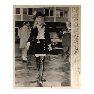 1968 Vintage Brigitte Bardot Press Photo For Sale