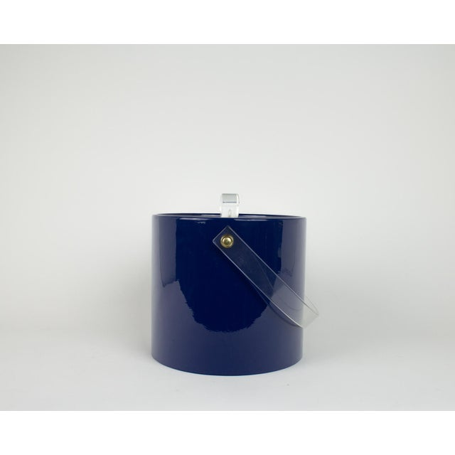 Mid Century Navy Blue and Lucite Ice Bucket - Image 3 of 10