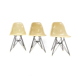 Mid Century Modern Signed Charles Eames for Herman Miller Eiffel Shell Chair Preview