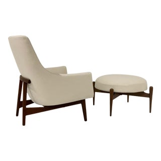 Jens Risom Lounge A-Chair and Matching Ottoman Model 6540 For Sale