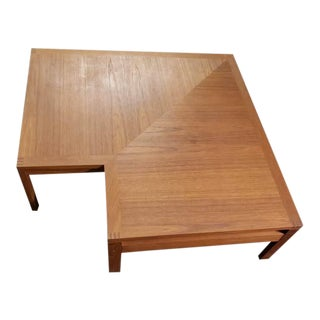 1960s Mid Century Modern Corner Teak Cut Out Accent Coffee Table For Sale