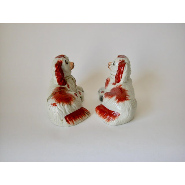 Vintage Mid-Century Staffordshire Style Spaniel Figurines - A Pair For Sale - Image 4 of 10