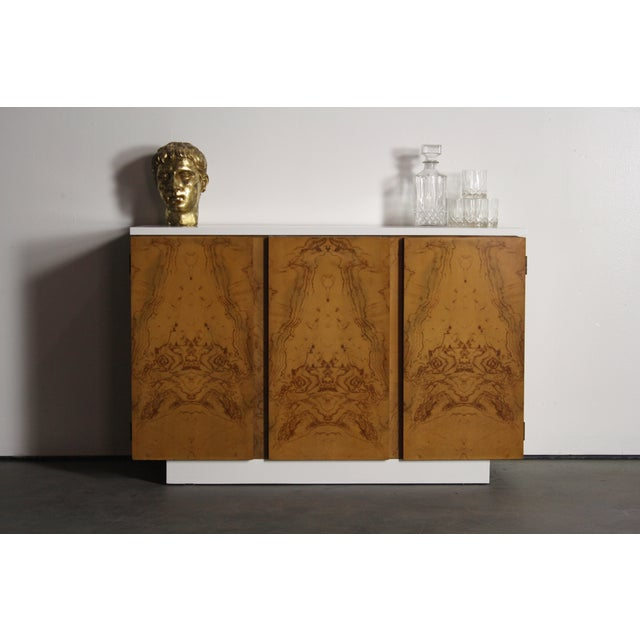Mid-Century Modern Milo Baughman Burl Wood 2-Tone Credenza Buffet For Sale - Image 3 of 11