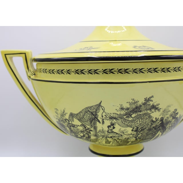 Mottahedeh Vintage Large Italian Mottahedeh Yellow Handled Urn With Artichoke Lid For Sale - Image 4 of 13