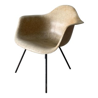 1950s Eames Max 2nd Generation Armshell Chair For Sale