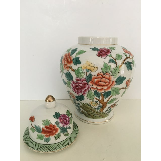 Mid 20th Century Mid-Century Norleans Chinoiserie Lidded Urn - Made in Japan For Sale - Image 5 of 10