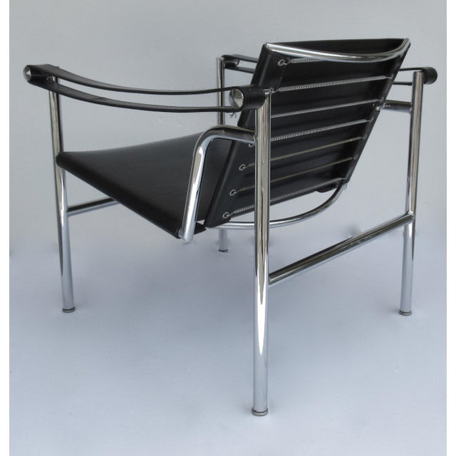 C.1950s-60s Le Corbusier LC1 Basculant Chrome & Black Saddle Leather Sling Lounge Chair For Sale - Image 9 of 13