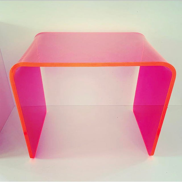 """Mid-Century Modern """"The Side Piece"""" Side Table in Neon Pink For Sale - Image 3 of 8"""
